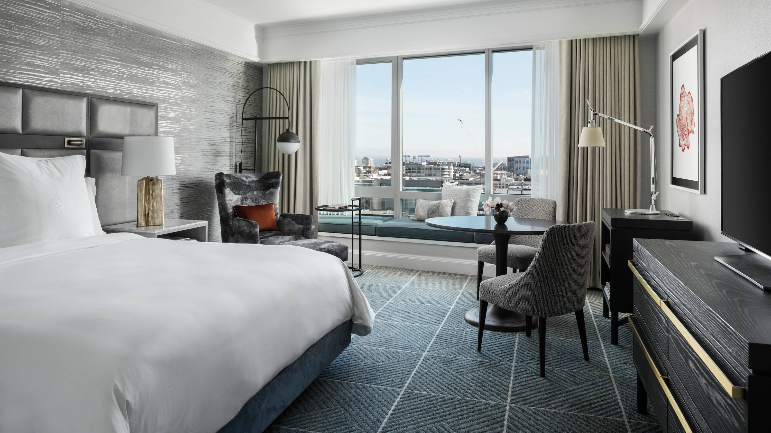 San Francisco Luxury Suites & Rooms | City & Bay View | Four ...