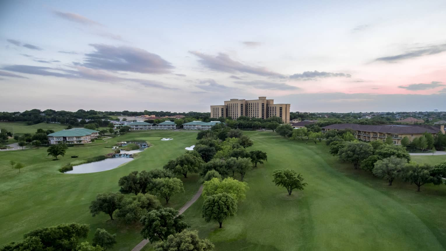 Hotel Las Colinas | Dallas Luxury Resort | Four Seasons