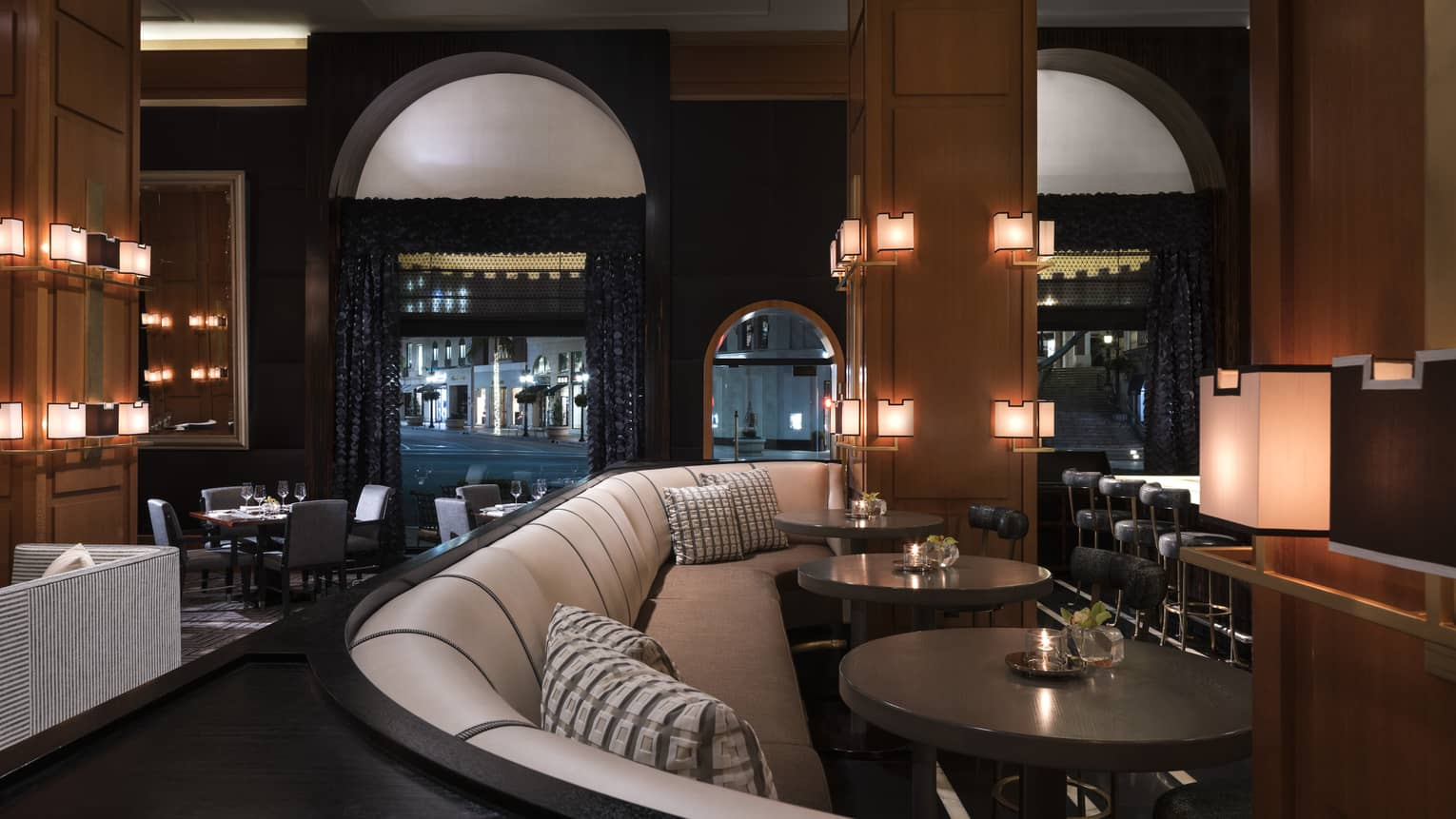 Beverly Hills Cocktail Bar Lounge The Blvd At Beverly Wilshire